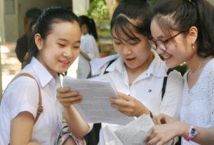 Đề thi tuyển sinh môn Toán không chặt chẽ